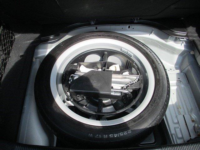 Bán Mercedes C300 đời 2013, màu bạc, số tự động-7