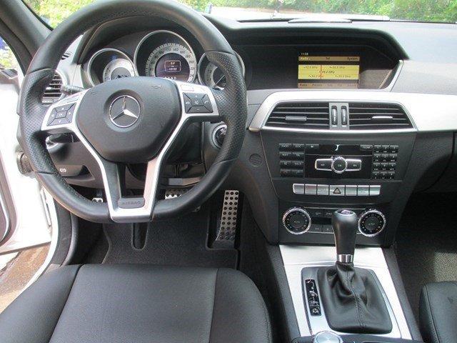 Bán Mercedes C300 đời 2013, màu bạc, số tự động-9