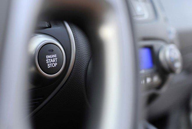 Hyundai i10 đời 2015, màu trắng, nhập khẩu nguyên chiếc -2