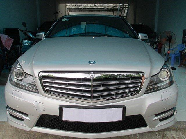 Bán Mercedes C300 đời 2013, màu bạc, số tự động-0