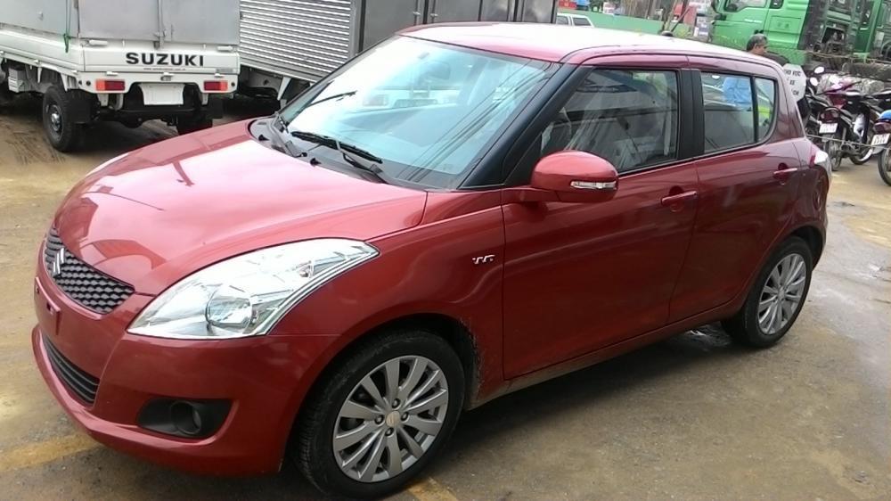 Cần bán xe Suzuki Swift đời 2015, màu đỏ-0
