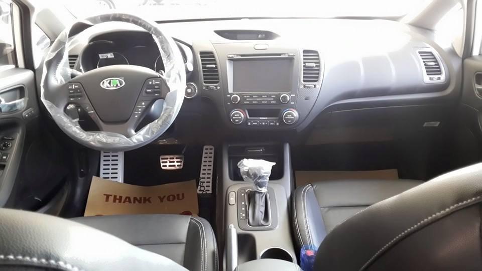 Cần bán Kia K3 đời 2015, màu trắng giá cạnh tranh-4