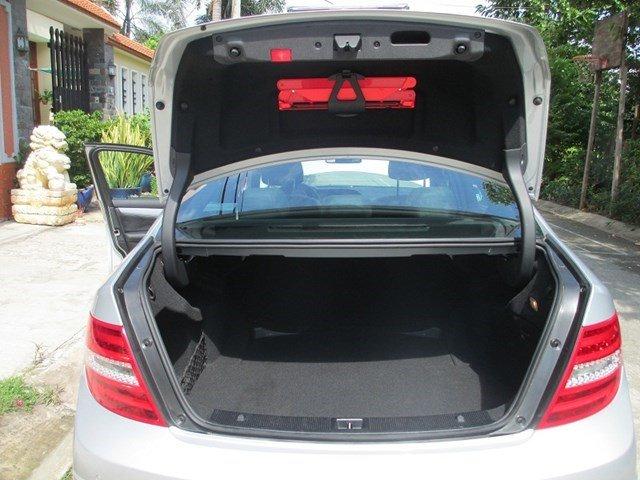Bán Mercedes C300 đời 2013, màu bạc, số tự động-4