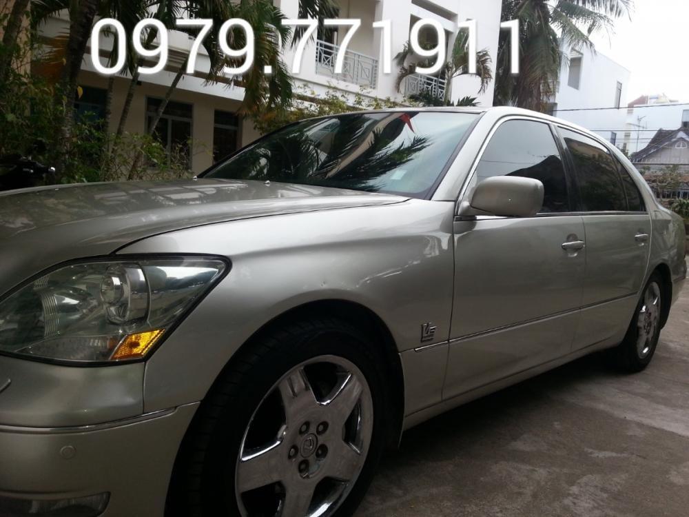 Cần bán gấp Lexus LS đời 2001, màu bạc, nhập khẩu, giá tốt-0