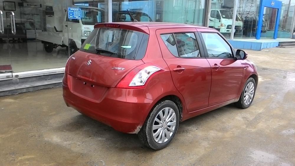 Cần bán xe Suzuki Swift đời 2015, màu đỏ-3
