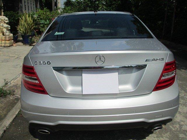 Bán Mercedes C300 đời 2013, màu bạc, số tự động-3