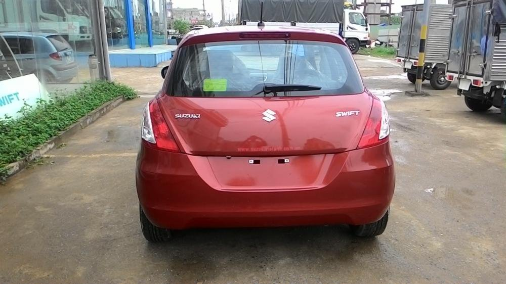 Cần bán xe Suzuki Swift đời 2015, màu đỏ-4