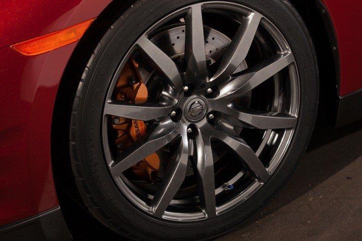 Đánh giá bánh xe Nissan GT-R Premium 2015