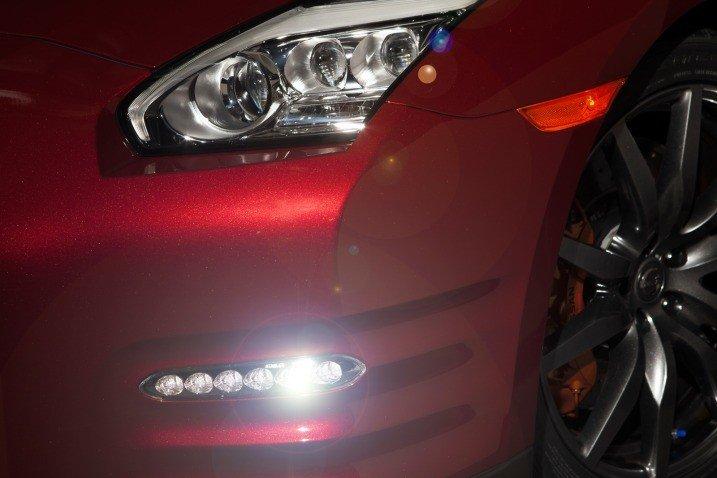 Đánh giá đèn sương mù xe Nissan GT-R Premium 2015