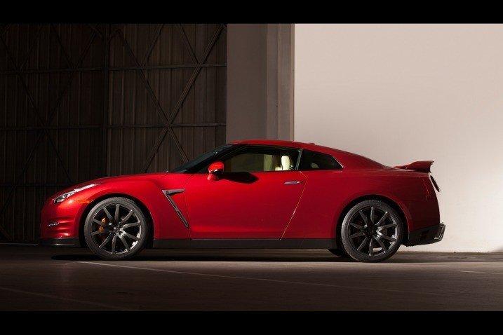 Đánh giá thân xe Nissan GT-R Premium 2015