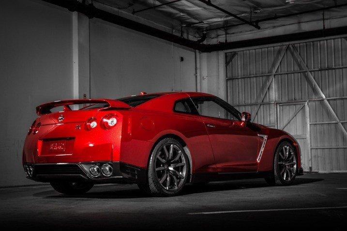 Đánh giá đuôi xe Nissan GT-R Premium 2015