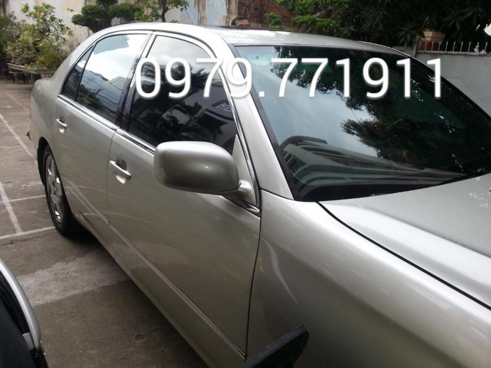 Cần bán gấp Lexus LS đời 2001, màu bạc, nhập khẩu, giá tốt-2