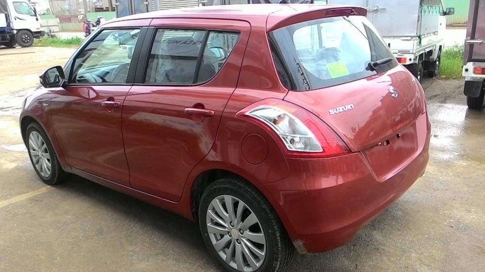 Cần bán xe Suzuki Swift đời 2015, màu đỏ-5