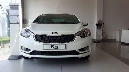 Cần bán Kia K3 đời 2015, màu trắng giá cạnh tranh-1