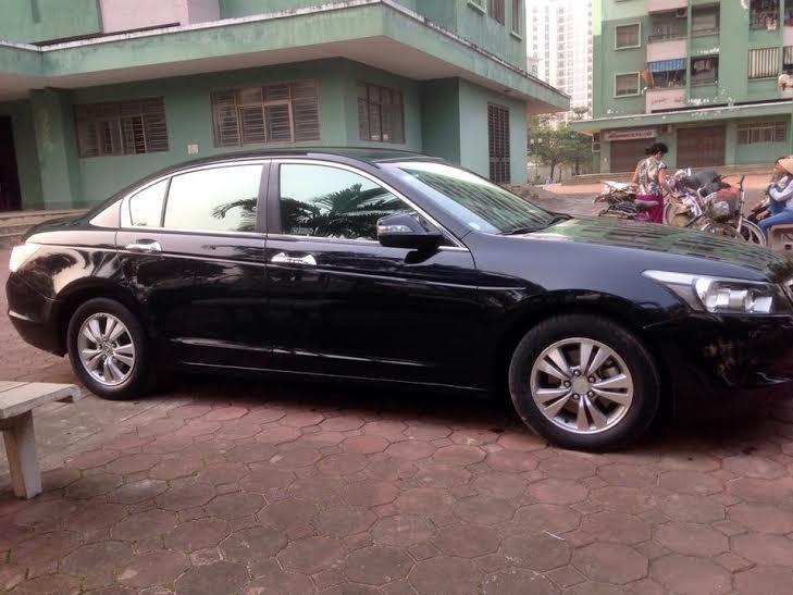 Cần bán lại xe Honda Accord đời 2010, màu đen, nhập khẩu nguyên chiếc -1