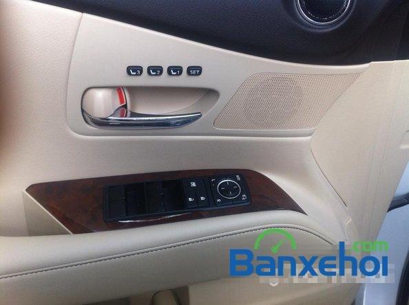 Xe Lexus RX 450H cũ màu trắng đang được bán. Xe được sản xuất năm 2012, đã đi 20000 km-18