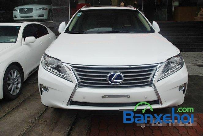 Xe Lexus RX 450H cũ màu trắng đang được bán. Xe được sản xuất năm 2012, đã đi 20000 km-0
