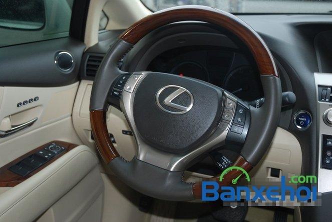 Xe Lexus RX 450H cũ màu trắng đang được bán. Xe được sản xuất năm 2012, đã đi 20000 km-13