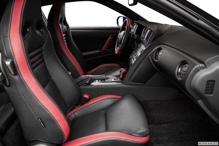 Đánh giá ghế ngồi xe Nissan GT-R Premium 2015