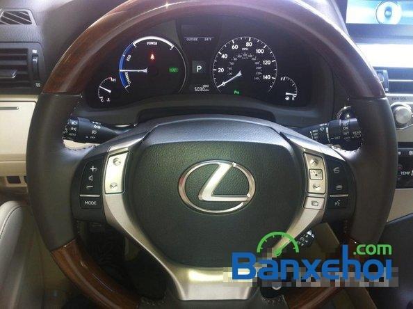 Xe Lexus RX 450H cũ màu trắng đang được bán. Xe được sản xuất năm 2012, đã đi 20000 km-17