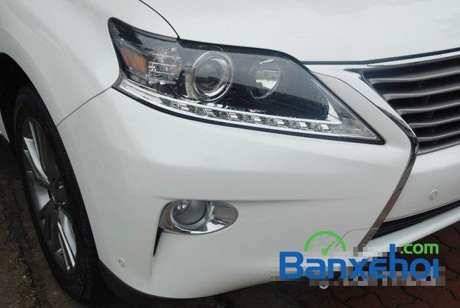 Xe Lexus RX 450H cũ màu trắng đang được bán. Xe được sản xuất năm 2012, đã đi 20000 km-4