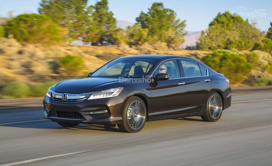 Honda Accord 2016 có nhiều thay đổi, nâng cấp hấp dẫn.
