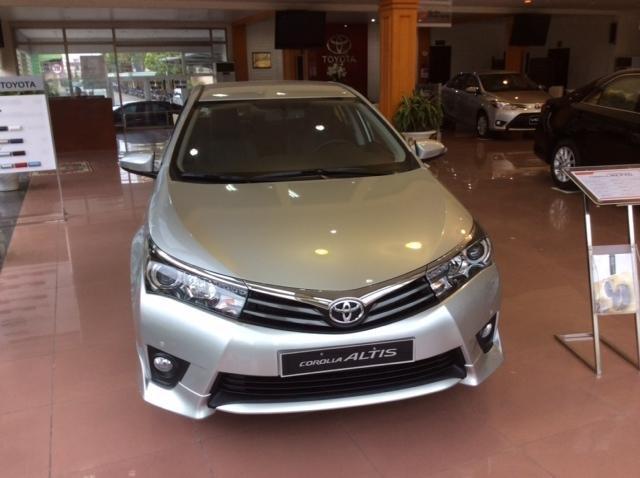 Bán Toyota Corolla đời 2015 - LH ngay 0914263263-3