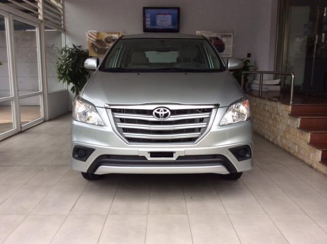 Bán xe Toyota Innova đời 2015, màu bạc, giá chỉ 833 triệu-0