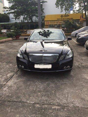 Cần bán Mercedes sản xuất 2010, màu đen, nhập khẩu nguyên chiếc, chính chủ-0