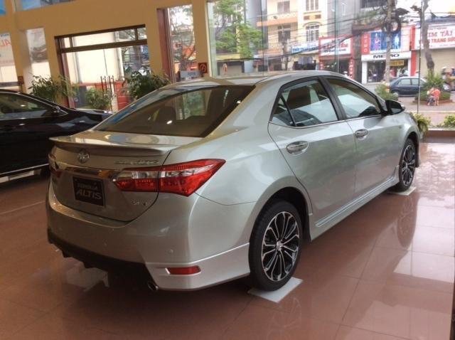 Bán Toyota Corolla đời 2015 - LH ngay 0914263263-4