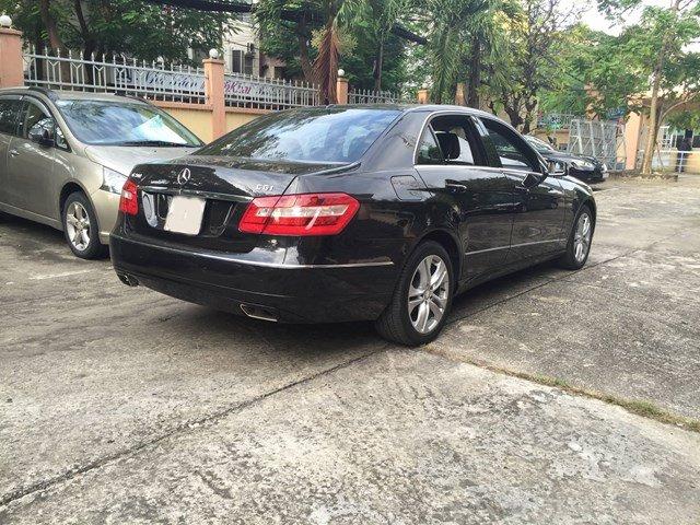 Cần bán Mercedes sản xuất 2010, màu đen, nhập khẩu nguyên chiếc, chính chủ-1