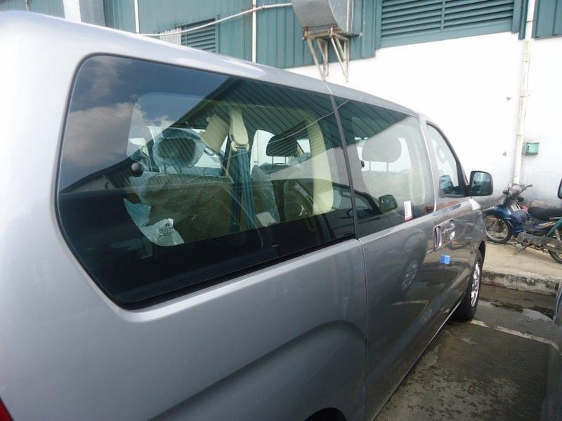 Bán xe Hyundai Starex đời 2015, màu bạc, nhập khẩu chính hãng, 848Tr-2