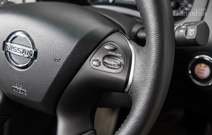 Phím bấm chức năng của Nissan Pathfinder 2015.