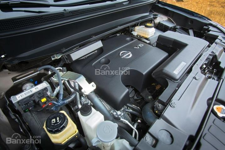 Nissan Pathfinder 2015 sử dụng động cơ V6.