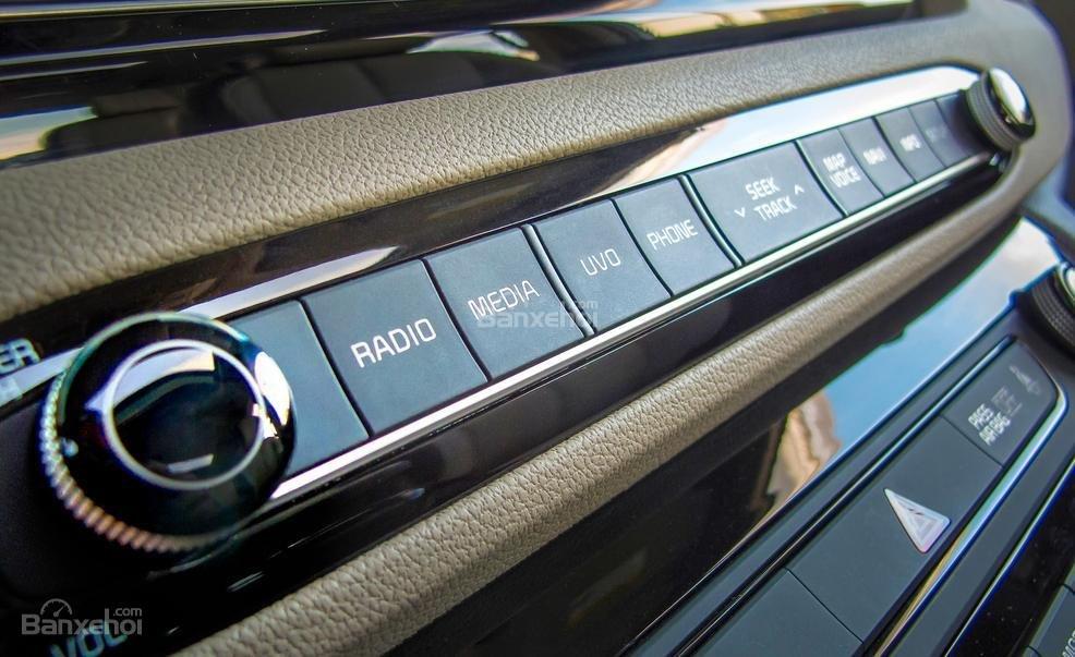 Đánh giá nút điều khiển xe Kia Sedona 2015