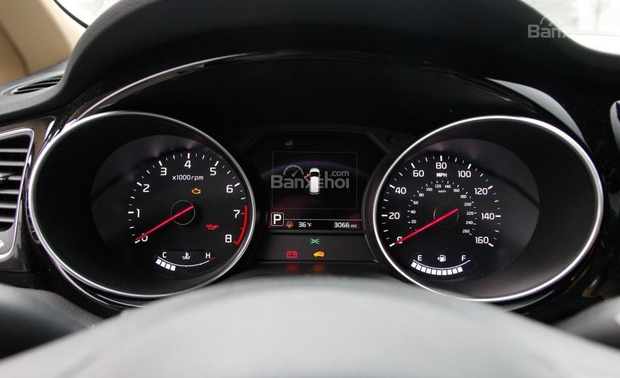 Đánh giá đồng hồ xe Kia Sedona 2015