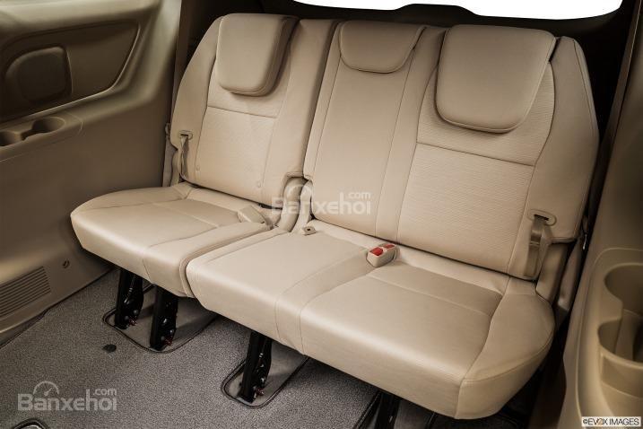 Đánh giá hàng ghế 3 xe Kia Sedona 2015