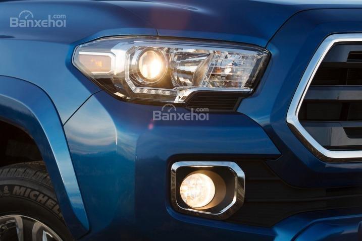 Đánh giá đèn pha và đèn sương mù xe Toyota Tacoma 2016