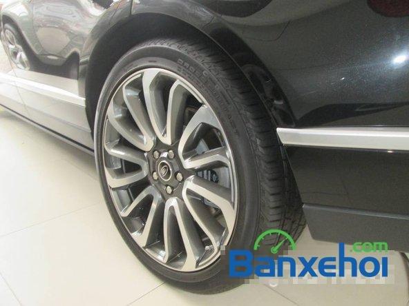 Salon ô tô Chính Hùng bán ô tô LandRover Range Rover đời 2013, màu đen đã đi 9600 km-5