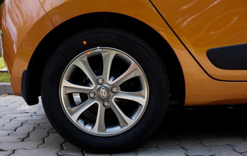 Đánh giá bánh xe Hyundai Grand i10 2014