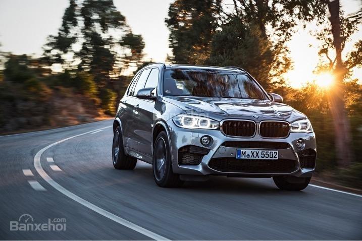 BMW X5 2015 là một trong những mẫu xe cho cảm giác lái tốt nhất phân khúc.