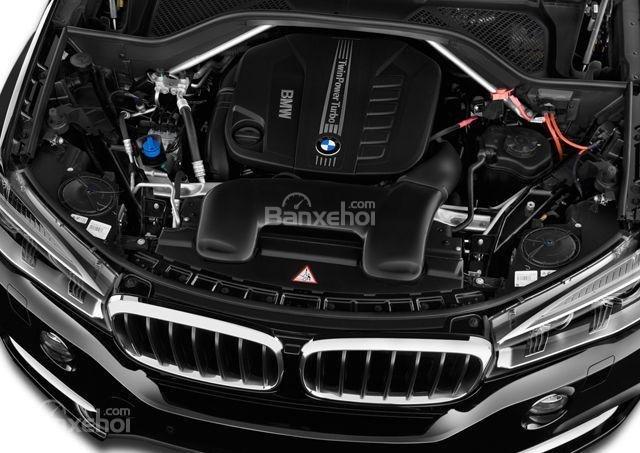 BMW X5 2015 sDrive35i và xDrive35i đều sử dụng động cơ tăng áp I6, 3.0L.
