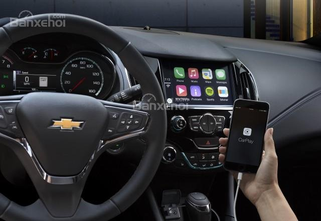 Chevrolet Cruze 2016 được trang bị tiêu chuẩn màn hình giải trí cảm ứng 7 inch với hệ thống giải trí MyLink.