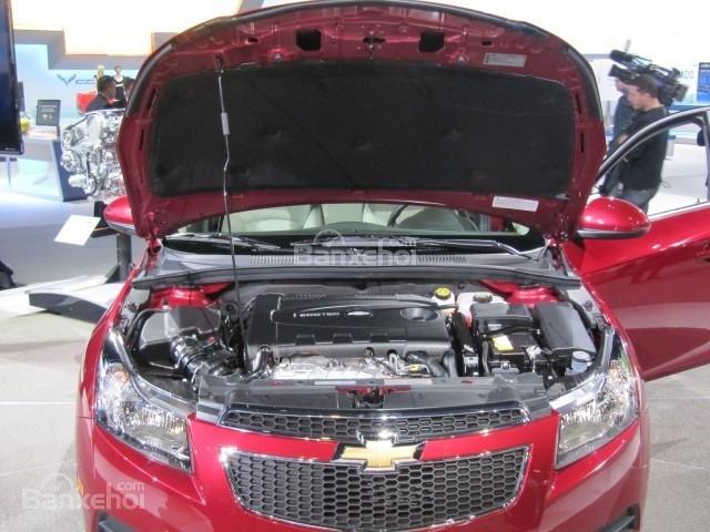 Chevrolet Cruze 2016 sử dụng động cơ Ecotec tăng áp 4 xi-lanh, dung tích 1.4 lít.