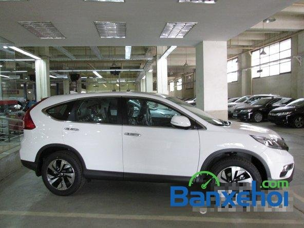Bán xe Honda CR V 2.4L sản xuất 2015, màu trắng. Xe sử dụng nhiên liệu xăng-2