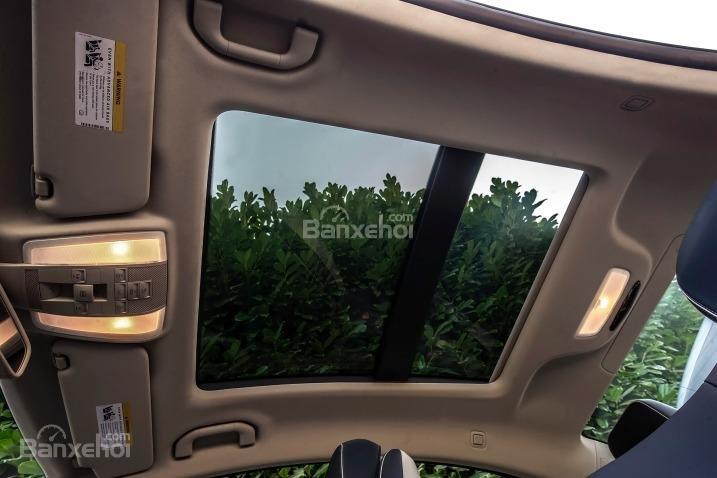 Đánh giá cửa sổ trời xe Mercedes-Benz E-Class 2015