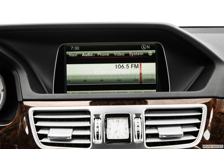 Đánh giá radio xe Mercedes-Benz E-Class 2015