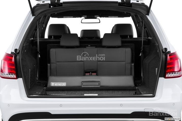 Đánh giá khoang hành lý xe Mercedes-Benz E-Class 2015