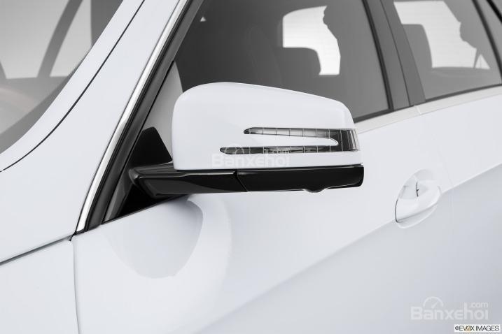Đánh giá gương chiếu hậu xe Mercedes-Benz E-Class 2015