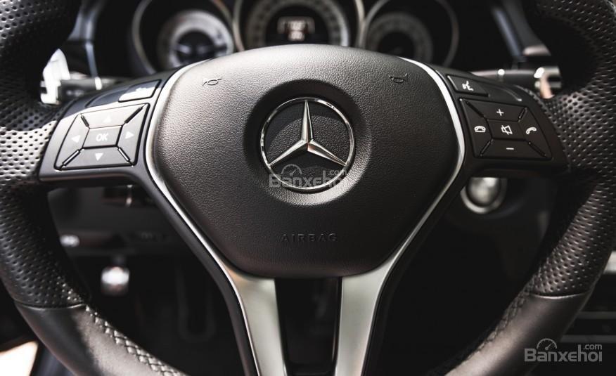 Đánh giá vô lăng Mercedes-Benz E-Class 2015